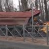 В Ростове падение дерева привело к гибели водителя и пассажира КАМАЗа